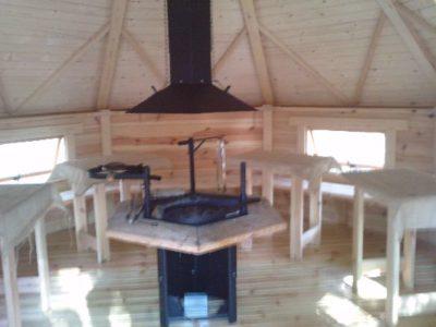 wnętrze domku grillowego 17