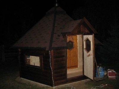 sauna ogrodowa z przedsionkiem