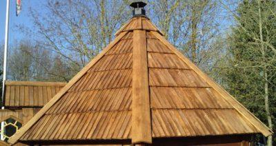 dach sauny ogrodowej